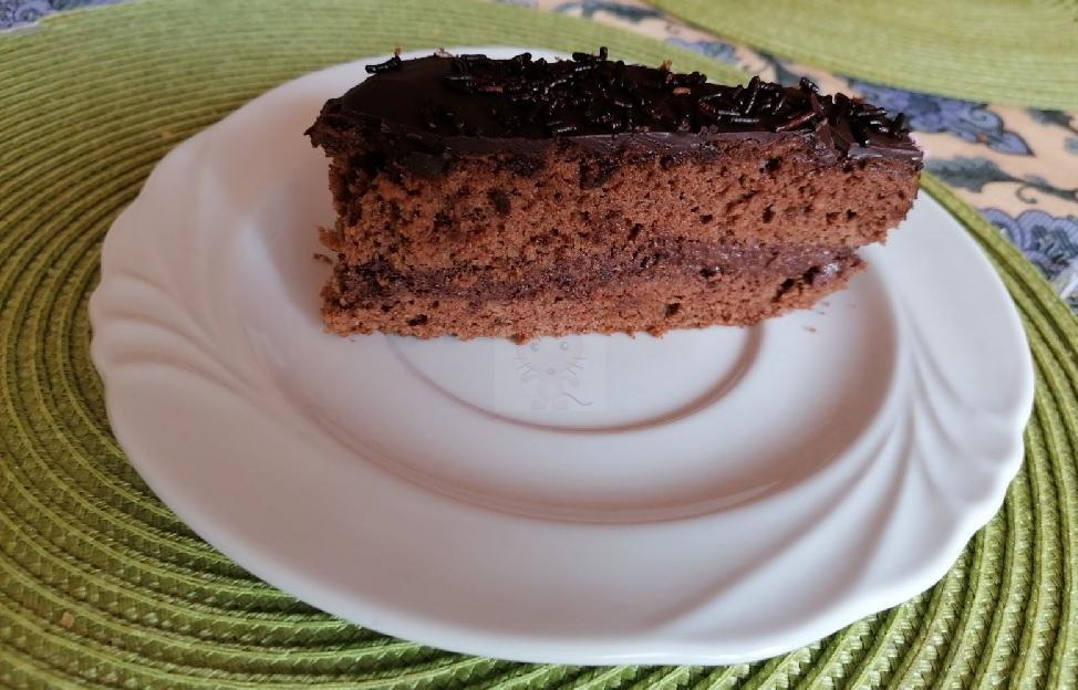 Egyszerű csokitorta sütemény recept